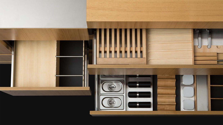 Arkitekttegnet-køkken-i-finer-og-rustfri-stål-N3-02